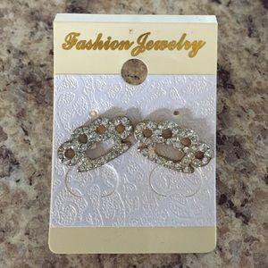 Jewelry - NEW Silver Toned Brass Knuckle Rhinestone Earrings
