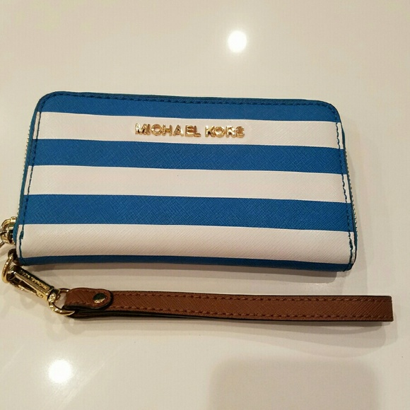 1d393ad17ee0 Buy michael kors striped wallet   OFF73% Discounted