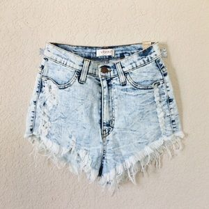 Vibrant Pants - NWT Vibrant Destroyed ripped denim booty shorts