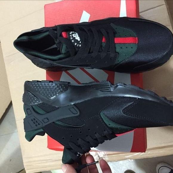 half off 59453 06feb Gucci Nike Huaraches NWT