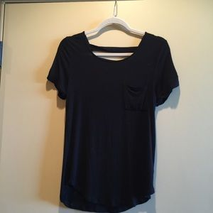 Zenana Outfitters Tops - Black top with open back and gold buttons.