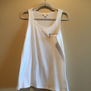 Zenana Outfitters Tops - White tank top with silver zipper.