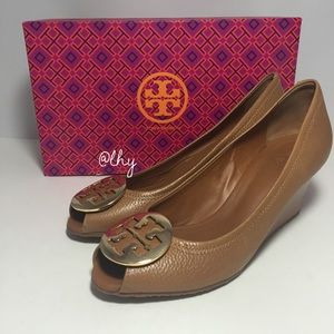 TORY BURCH PEEP TOE SALLY 2 WEDGE – SZ8.5