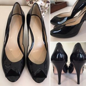 Ann Taylor patent Leather heels black 6.5M