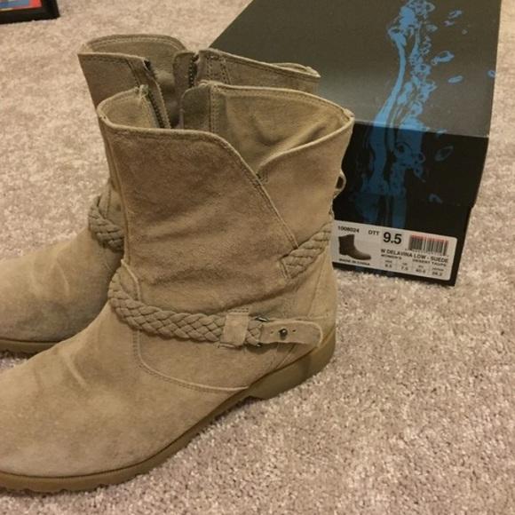 68 teva shoes teva de la vina low suede boots from