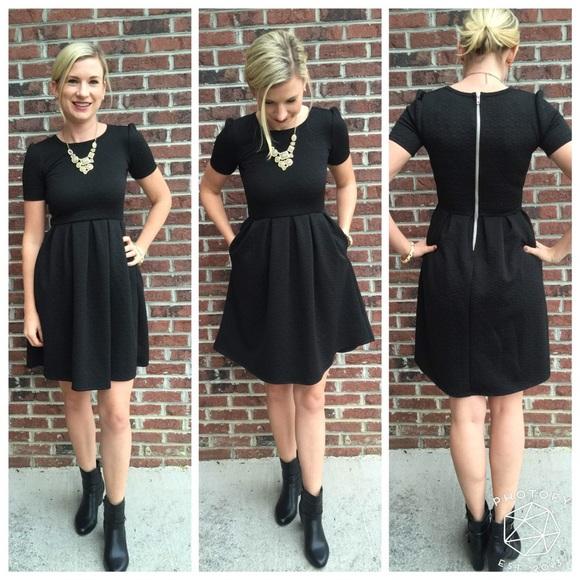 4c1ce275a25 LuLaRoe Amelia Dress Size XS NWT
