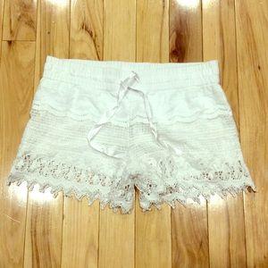 Pants - Crochet white shorts sz 7/9 juniors super cute