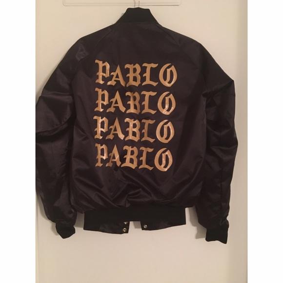 Black bomber jacket small