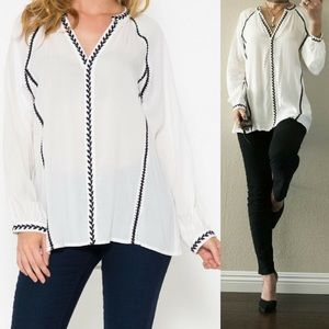 ‼️SALE‼️Embroidery Trim V-Neck Top