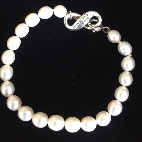 40576f67d Tiffany & Co. Silver/Freshwater Pearl Bracelet. M_57c2dcf78f0fc4f880000846