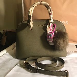 71c0dd908622 MICHAEL Michael Kors Bags - 💯Authentic MK Olive green Cindy twilly included