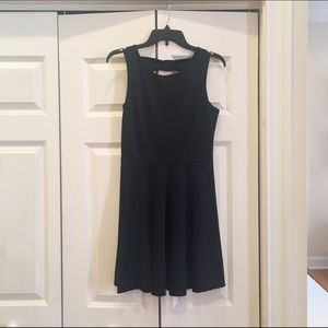 Neuw Dresses & Skirts - Black dress