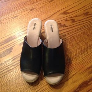 Women's size 8 wedge shoes