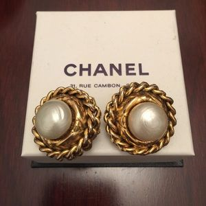Chanel clip on earrings vintage