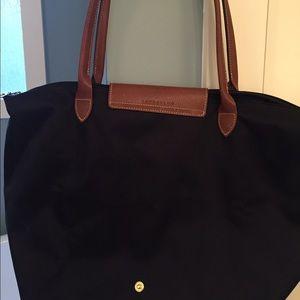 Longchamp Bags - Black Longchamp bag - medium Le Pliage