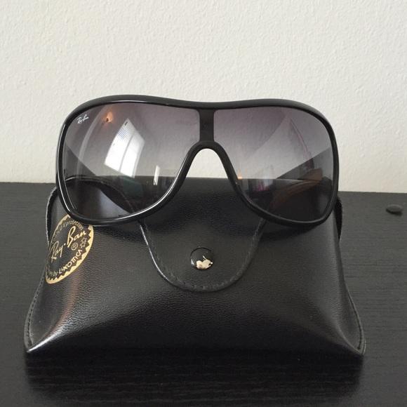 1d6480e3091df7 Ray-Ban Oversized Shield Aviator Sunglasses Black.  M 57c31637713fde87ab03a350