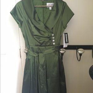 Dresses & Skirts - Holliday dress