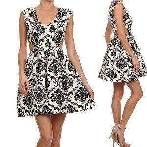 ‼️SALE‼️Mono Pattern Cutout Skater Dress