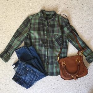 💚 green plaid-patterned top 💚