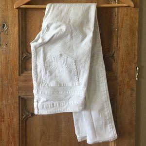 White Hollister pants. Size 3R. W:26 L:31