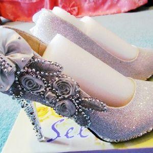 Shoes - Beautiful Elegant Applique Silver Wedding Shoes