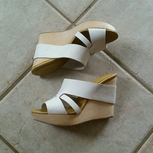 917ad52d0b2a See by Chloe White Wooden Wedges. M 57c34cd14225be470600d743