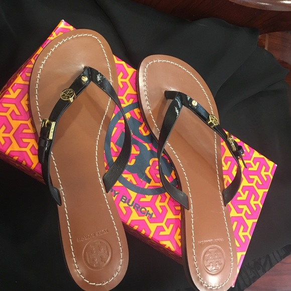 c666559cd9df1b Monogram Tory Burch flat sandals