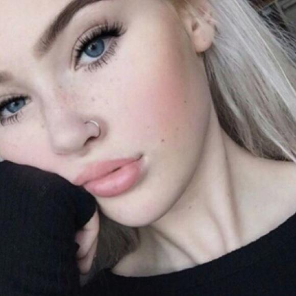 2 Fake Nose Rings
