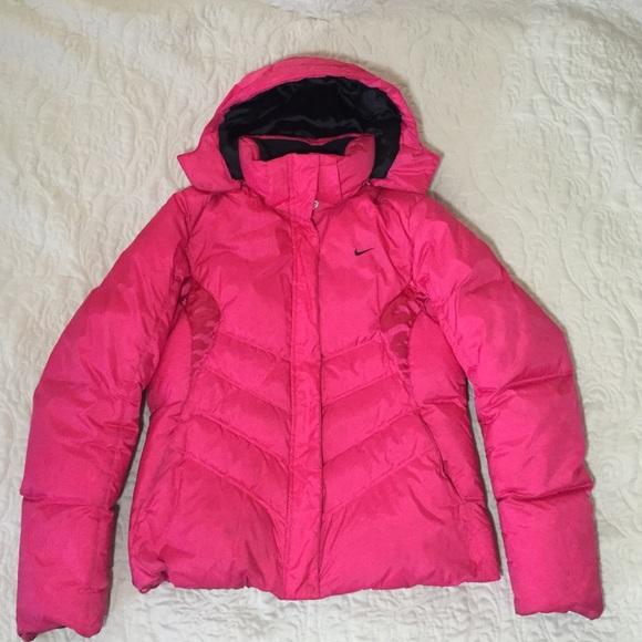 65e39482aa Nike hot pink puffer jacket. M 57c35cc7f739bc14c800f74f