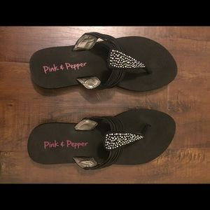 Pink & Pepper Shoes - Pink & Pepper black flip flop