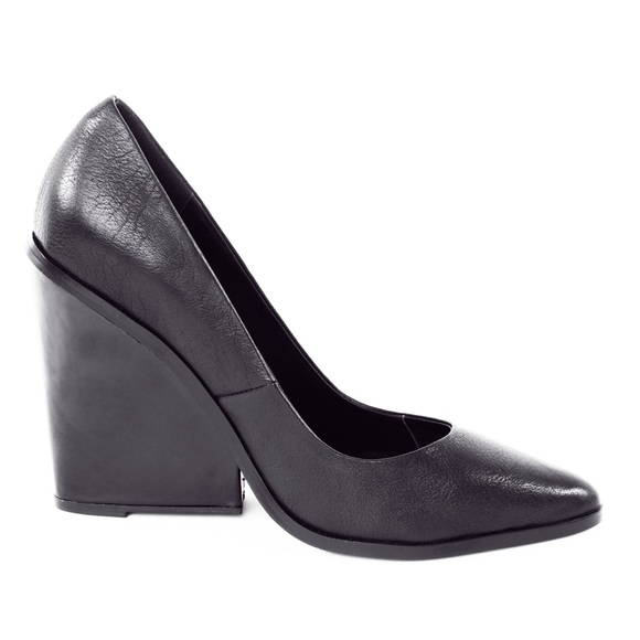 Finders Keepers Leather Wedge Pumps for sale cheap online SEBdFR20