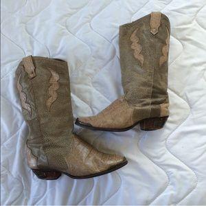 Vintage dingo cowboy boots