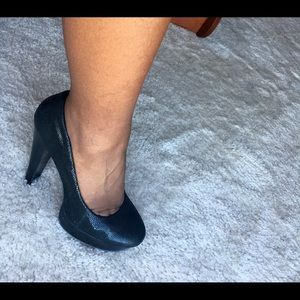 Calvin Klein black pumps!