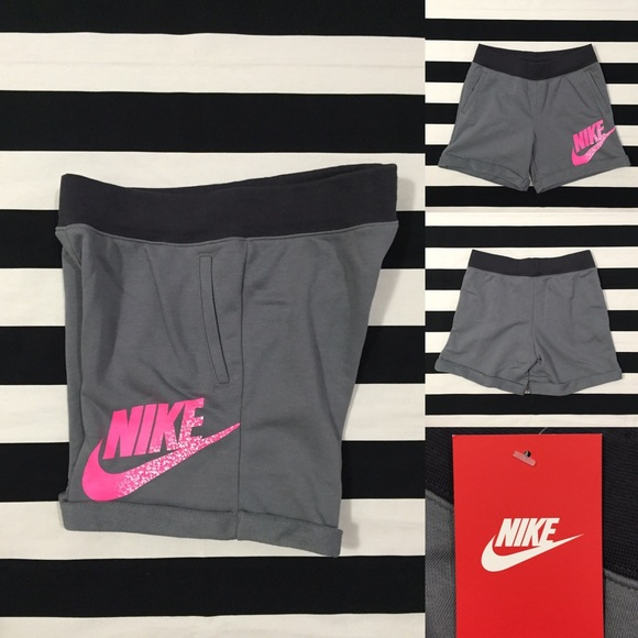 47dc7af1dffe NWT  Nike  women s athletic sweat shorts szXS-S