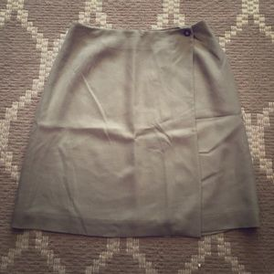 Green beige 100% silk kilted skirt