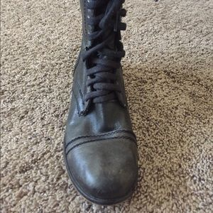 "Steve Madden ""Troopa"" boot! 8.5"