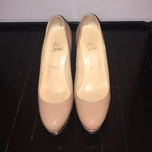 Christian Louboutin Bianca Nude Patent pumps 40.5