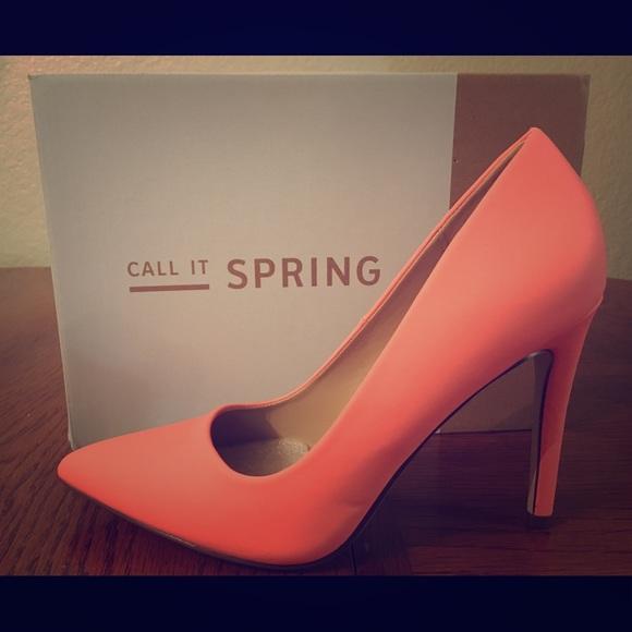 74ece4653ad5 Beautiful Peach Colored Heels