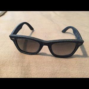 Rare Ray-ban  NWOT denim layered sunglasses
