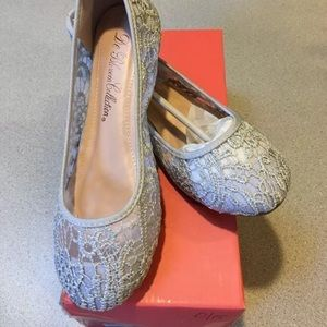 Silver Lace Ballet Flats - size 7 NWT