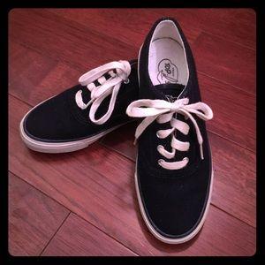 Sperry Top-Sider Shoes - • { Sperry } • Top-Sider shoe. Size: Women's 5M.