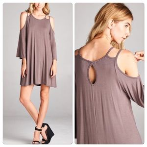 Vivacouture Dresses & Skirts - One Hr Sale ❤️ Chic Cold shoulder tunic
