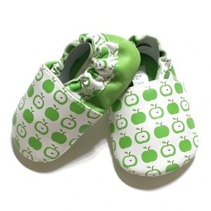 Other - New! Green Apple Moccs
