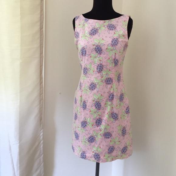 782bb96e6228f Vineyard Vines Sea Turtle Dress. M 57c450c8fbf6f96e31003279