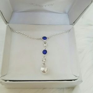 Jewelry - NWT rhinestones and faux peral drop necklace