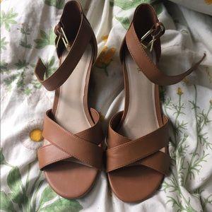 Fioni Wedged Tan Heels
