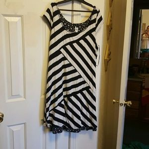 Dresses & Skirts - Reversible dress