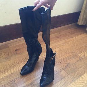 BCBGirls Shoes - 👢BCBGIRLS Black Pleather Pull-on Boots
