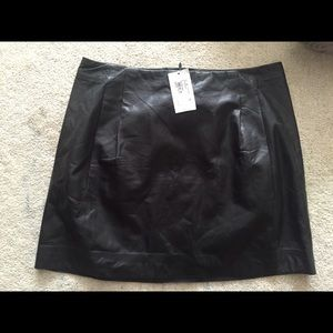 Joie genuine leather mini skirt size 8