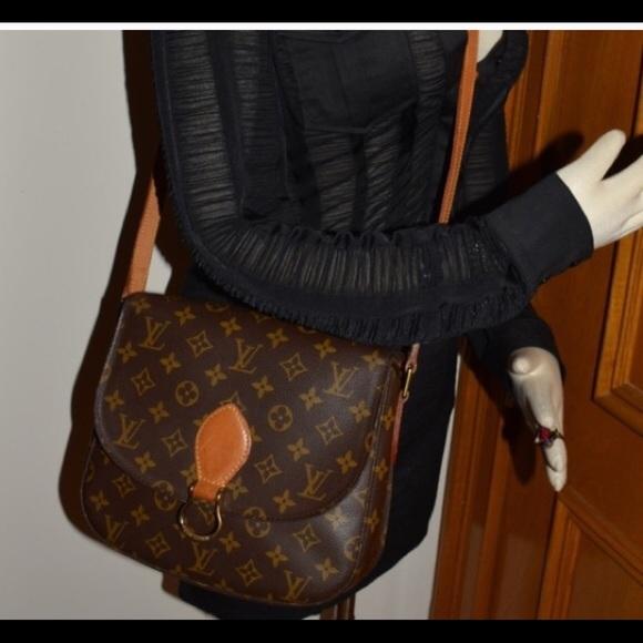 c68155aff965 Louis Vuitton Handbags - Authnetic Louis Vitton Canvas Saint Cloud GM